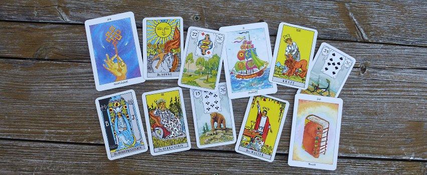 Orakelkarten – Alles nur fauler Zauber?